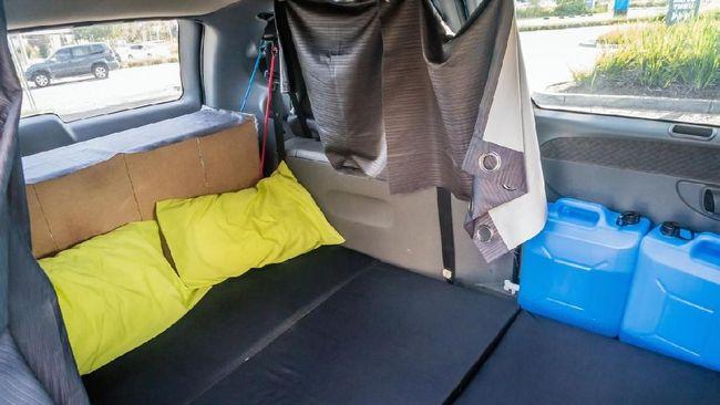Polisi Belum Bisa Tindak Mobil Jadi 'Tempat Tidur Berjalan'