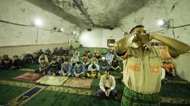 Salat Tarawih di Masjid 'Perut Bumi' ala Karyawan Freeport