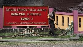 Polisi Uji Proyektil Peluru Penembakan Mako Brimob Purwokerto