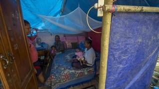 Semangat Warga Sigi Berlebaran di Tenda Pengungsian