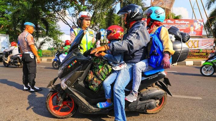 H-7 Lebaran, Pemudik Sepeda Motor Mulai Terlihat di Cirebon
