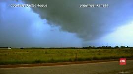 VIDEO: Setelah Ohio, Tornado Hantam Kansas