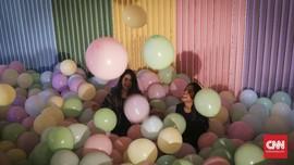 FOTO : Kembali ke Masa Kecil dengan Instalasi Seni Balon
