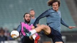 Sarri Mengamuk Lihat Luiz-Higuain Berantem di Latihan Chelsea