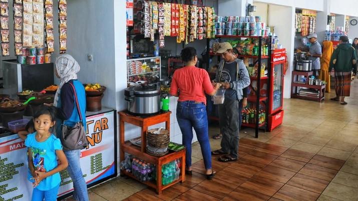Suasana Rest Area 86 Cikampek (CNBC Indonesia/Andrean Kristianto)