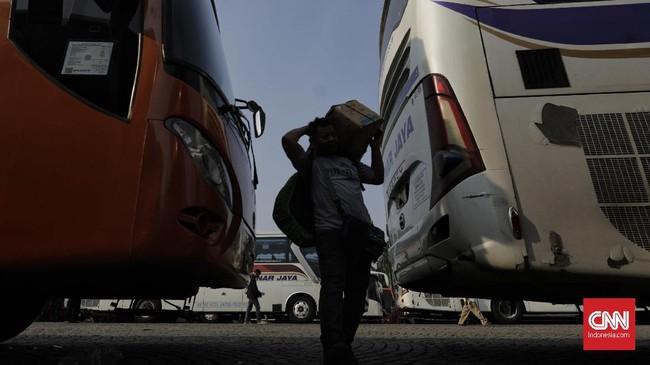 Pemudik akan diberangkatkan ke 10 kabupaten/kota yaitu Ciamis, Kuningan, Tegal, Pekalongan, Kebumen, Semarang, Surakarta, Wonogiri, Jogjakarta, dan Jombang. (CNN Indonesia/Adhi Wicaksono).