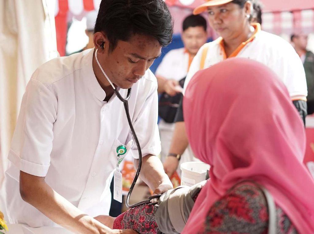 Mulai 27 Mei sampai dengan 9 Juni 2019, masyarakat yang berusia 17 tahun hingga 65 tahun dapat mendaftarkan diri dalam program Teman Mudik Hanwha secara online. Di booth tersebut juga disediakan beragam fasilitas yang bisa dinikmati. Foto: dok. Hanwa Life