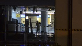 AC Diduga Korslet, Gedung Back Office Savoy Homann Terbakar
