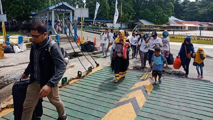 Mudik Bareng BUMN, ASDP Layani 2.500 Pemudik di Tiga Lintasan Penyeberangan