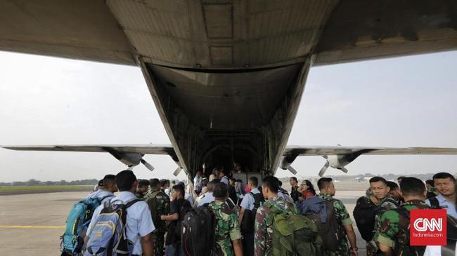 KASAU mengatakan setiap hari sekitar 1.400 sampai 1.500 pemudik yang diberangkatkan TNI AU dari 41 sortie (penerbangan) yang tersedia sejak kemarin hingga hari ini. (CNN Indonesia/Adhi Wicaksono)