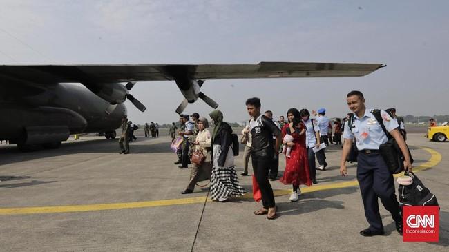 Penerbangan itu diawali dengan tiga rute yaitu Jakarta-Pekanbaru-Medan, Jakarta-Jogjakarta-Malang, dan Jakarta-Madiun-Malang. (CNN Indonesia/Adhi Wicaksono)