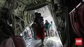 TNI Angkatan Udara menyiapkan dua unit pesawat angkut berat Hercules dengan nomor A-1328 dan A-1316 yang satu unitnya diperkirakan dapat menampung sekitar 100 penumpang (CNN Indonesia/Adhi Wicaksono)