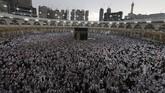 Sebagi kiblat, Kabah tidak pernah kehilangan 'mukjizatnya'. Tempat ini selalu dipadati oleh umat muslim sepanjangwaktu.