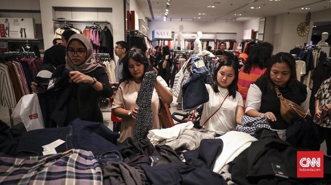 Gelaran midnight sale di Grand Indonesia Mall, Jumat (31/5) dan Sabtu (1/6) mulai pukul 20.00 - 00.00 WIB. Acara ini merupakan salah satu rangkaian dari acara Jakarta Great Sale. (CNNIndonesia/Hesti Rika).