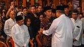 Presiden Joko Widodo turut melayat almarhum Ani Yudhoyono di Cikeas, Bogor, Jawa Barat. (FOTO/Akbar Nugroho Gumay)