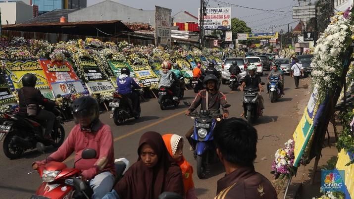 Banjirnya Karangan Bunga untuk Mendiang Ani Yudhoyono