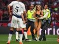 Kinsey Wolanski Penyusup Final Liga Champions Dilepas Polisi