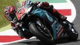 Pebalap Petronas Yamaha Fabio Quartararo berada di posisi kedua setelah terpaut 0,214 detik dari catatan waktu Marc Marquez. (AP Photo/Antonio Calanni)
