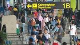 Deputi Executive General Manager of Airport Maintenance Soetta, Hartono mengatakan terjadi penurunan jumlah penumpang pesawat dibandingkan tahun 2018. Penurunan mencapai enam persen. (ANTARA FOTO/Muhammad Iqbal/foc).
