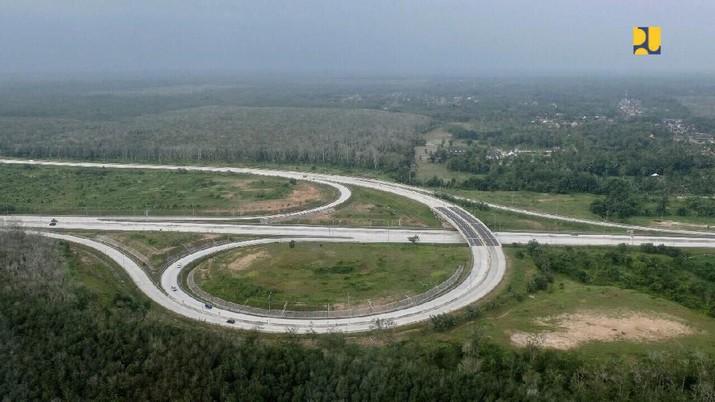 Di Tangan Jokowi, Tol Trans Sumatera Tambah 300 Km di 2020