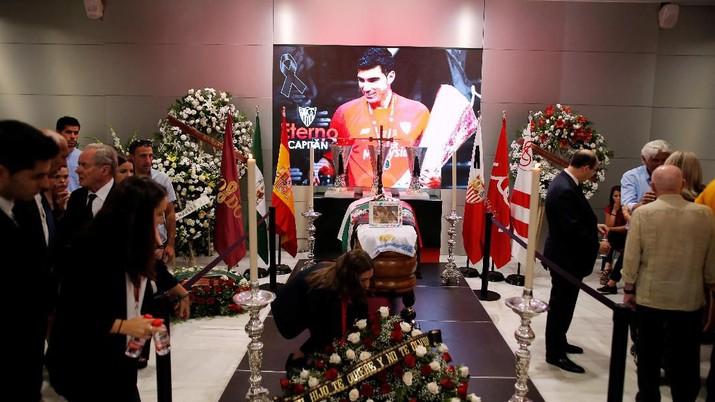 Pesepakbola asal Spanyol Jose Antonio Reyes meninggal dunia akibat kecelakaan lalu lintas.