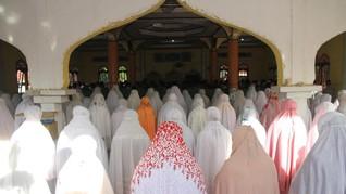 Muslim di Pesantren Mahfilud Dluror Jember Lebaran Hari Ini