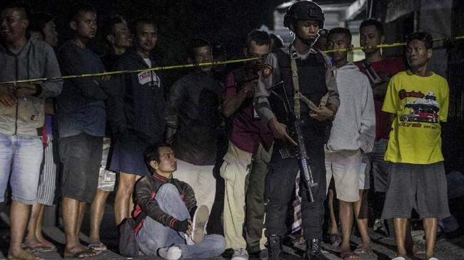 Polisi menyatakan saat ini pos polisi yang coba diledakkan terduga pelaku pada Selasa (4/6) siang ini telah dalam situasi kondusif. (ANTARA FOTO/Mohammad Ayudha)