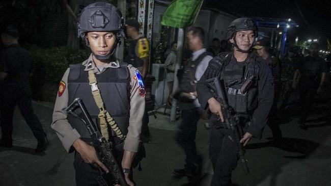 Polisi juga menyebut pelaku pengeboman merupakan lone wolf dan rekam jejaknya di dalam kelompok masih belum terlihat. (ANTARA FOTO/Mohammad Ayudha)
