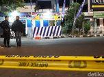 Ironis, Bomber Kartasura Solo Nyicil Beli Bom Pakai Duit Ibu