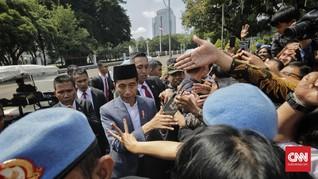 Jokowi Berlebaran dengan Warga di Monas Sebelum Mudik ke Solo