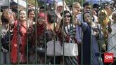 Mendengar Jokowi berencana mudik ke kampung halaman, sejumlah warga mendoakan agar mantan wali kota Solo itu selamat sampai di rumah. (CNN Indonesia/Adhi Wicaksono)