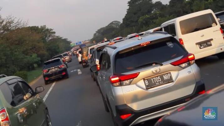 Tol Trans Jawa 'Dihajar' Arus Balik, Apa Kata Menhub?
