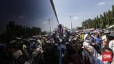 Awalnya, Presiden Jokowi mempersilakan warga untuk bersilaturahim di Istana Negara dalam acara halalbihalal yang dimulai pada pukul 09.30 WIB. (CNN Indonesia/Adhi Wicaksono)