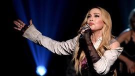 Berang pada Artikel NYT, Madonna Merasa 'Diperkosa'