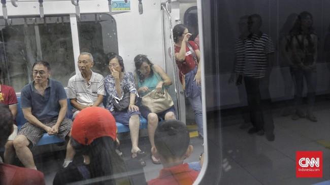 Program ini akan bisa diikuti setiap hari mulai Rabu, 5 Juni 2019 mendatang pada pukul 10.00-12.00 dan 14.00-16.00 WIB hingga Minggu, 9 Juni 2019. Setiap hari disediakan kuota 20 rombongan dengan jumlah 4-6 orang per rombongan.(CNN Indonesia/Adhi Wicaksono)