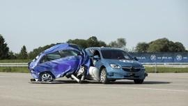 Teknologi Baru 'Airbag' di Luar Mobil, Serap Tabrak Samping