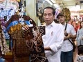 Jokowi Ajak Jan Ethes Beli Baju Batik di Pasar Beringharjo