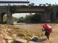 VIDEO: Pasukan Meksiko Tak Hentikan Gelombang Imigran ke AS