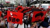 Warga Hong Kong menolak aturan yang bisa membuat tersangka kasus kriminal, termasuk aktivis, dikirim ke China untuk diadili jika melanggara hukum. (REUTERS/Thomas Peter)