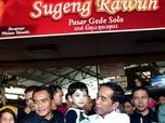 Curi Perhatian, Jokowi Ajak Jan Ethes Blusukan ke Pasar Solo