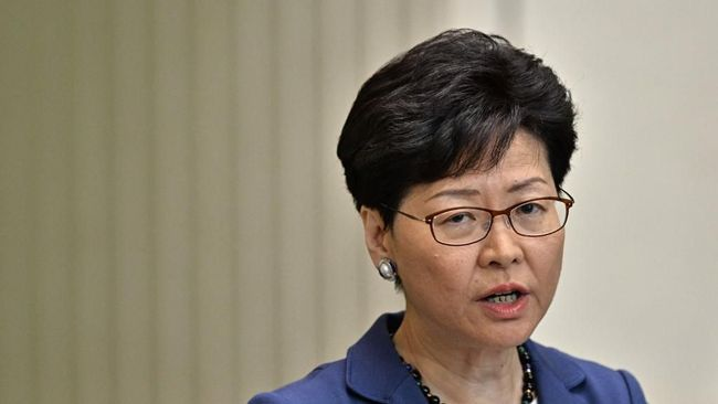 Didesak Mundur Legislator Hong Kong, Carrie Lam 'Walk Out'