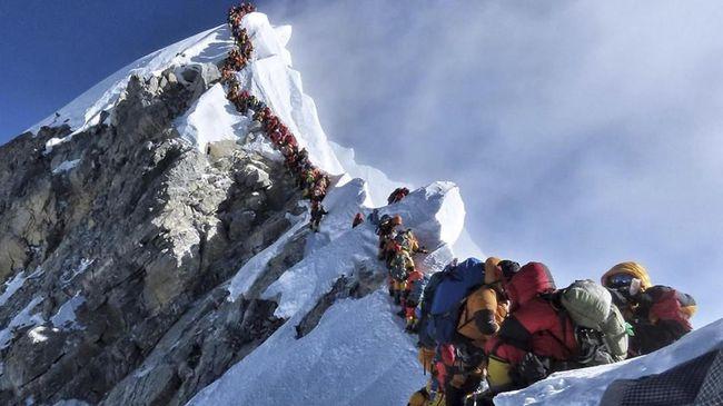 Sulitnya Mengenali Mayat Pendaki Everest