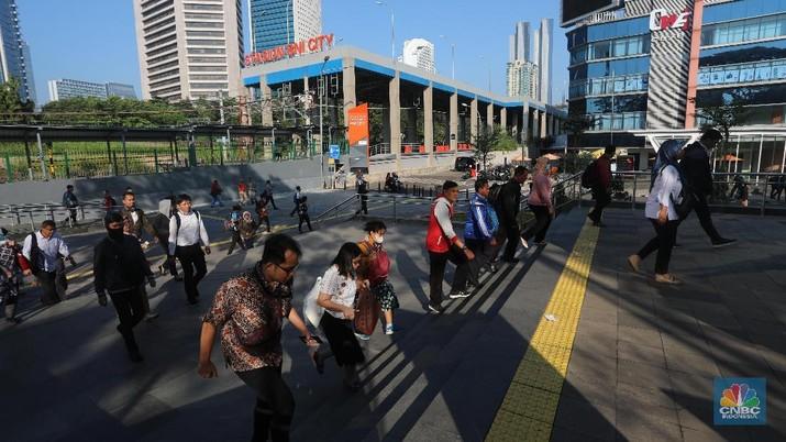 Usai libur lebaran 2019, sejumlah ruas protokol Jakarta kembali sibuk oleh para pekerja.