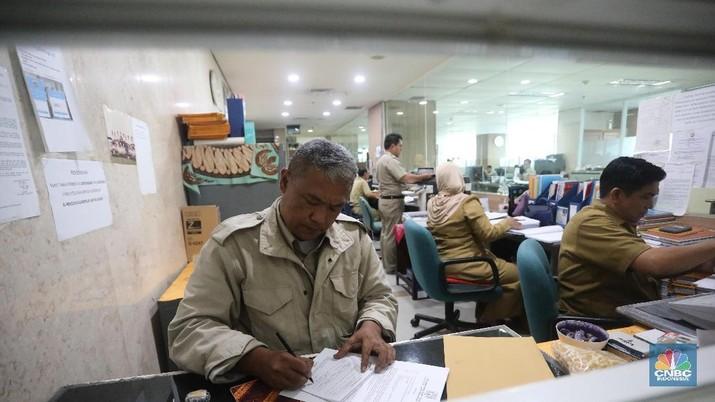 Ribuan perusahaan ikuti seruan Gubernur DKI Jakarta Anies Baswedan, tercatat 517 ribu orang bekerja dari rumah per hari ini