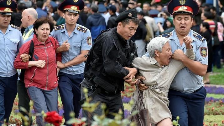 Protes Hasil Pilpres Kazakhstan, 500 Orang Ditangkap Polisi