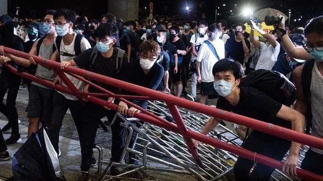 Proposal aturan ini menyulut amarah warga Hong Kong karena khawatir akan sistem pengadilan China yang kerap bias dan dipolitisasi. (Photo by Philip FONG / AFP)