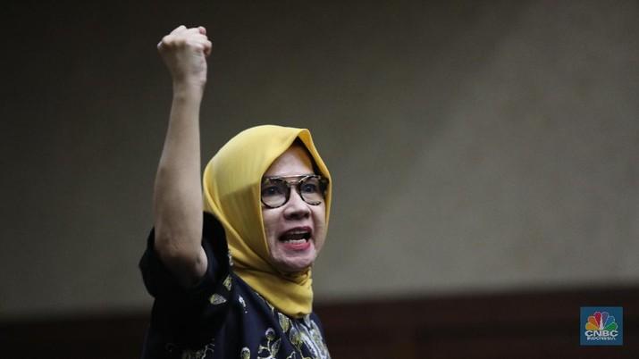 Ucap Innalillahi, Karen Banding atas Vonis 8 Tahun Penjara