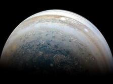 OMG! Ada Dua Planet Bertabrakan di Antariksa