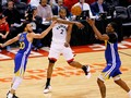 Warriors Menang Dramatis di Markas Raptors