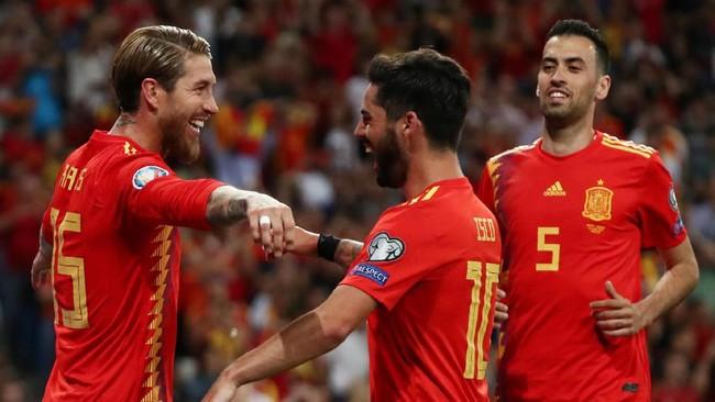 Kemenangan atas Swedia membuat Spanyol perkasa di puncak klasemen dengan nilai sempurna 12 poin dari empat laga. (REUTERS/Sergio Perez)